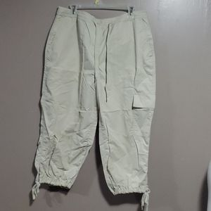 Avenue Ladies Crop Pants Sz 16 Tan